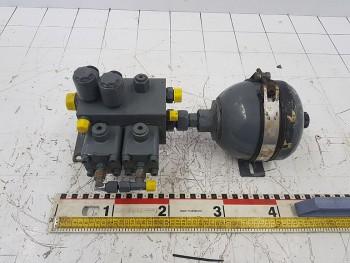 Bloc hidraulic cu butelie pentru macara Liebherr LTM 1055 - 3. 2