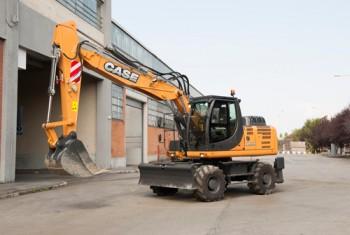 Excavator pe rotiCASEWX168