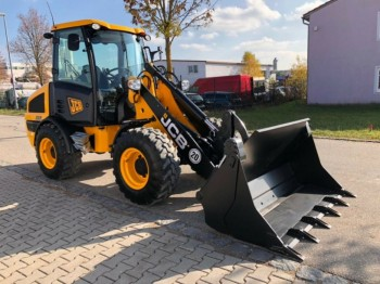 Incarcator frontal JCB 406